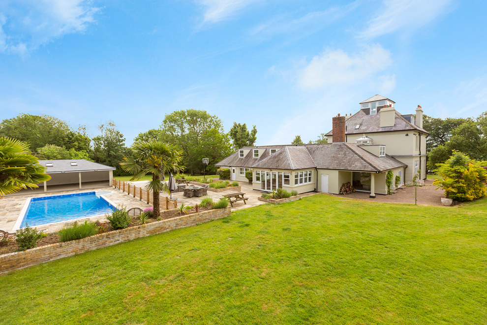 Elevated mast photography of a large garden and rear elevation